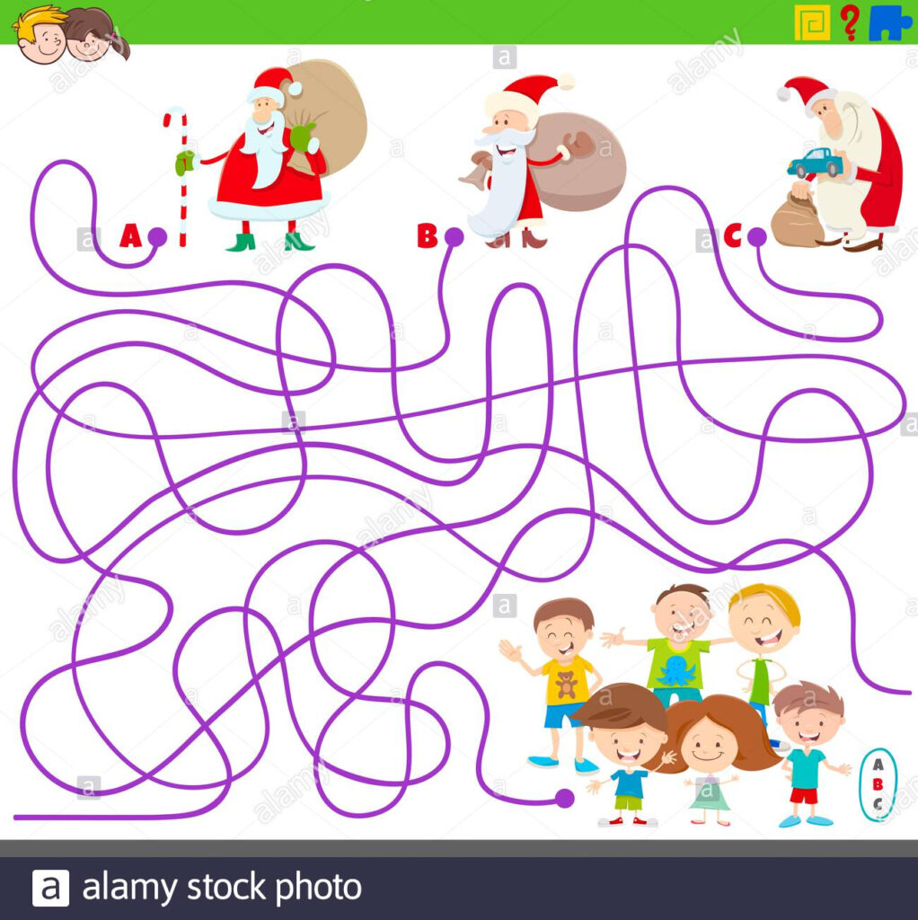 Maze Game With Santa Claus And Children Stock Photo   Alamy